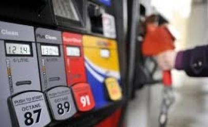 Gasolina terá baixa essa semana na Florida e algumas cidades terão mais descontos