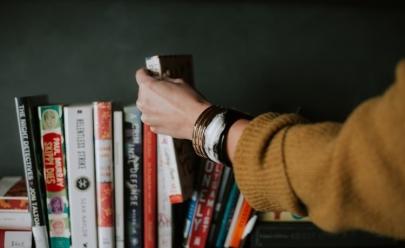 5 livros de filósofos brasileiros que vão mudar a sua forma de ver o mundo