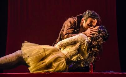Espetáculo moderno de Romeu e Julieta é atração no Teatro Sesc em Goiânia