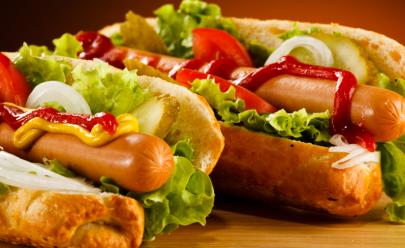 Cada salsicha que você come significa 15 minutos a menos de vida