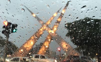 Inmet divulga Alerta Amarelo com riscos de chuvas intensas em Goiânia