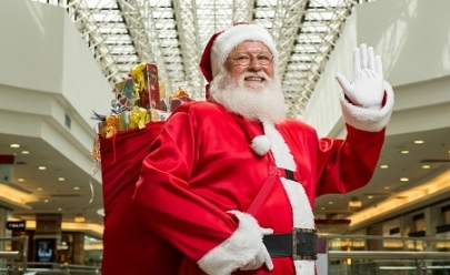 Papai Noel chega em shopping de Brasília e faz a alegria dos pequenos