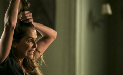 Deborah Secco assume novo visual e surpreende fãs
