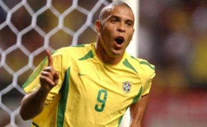 Craque Ronaldo abre academia de futebol em Brasília