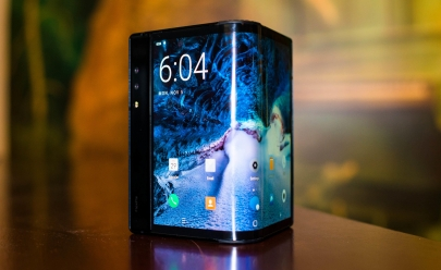 Celular com tela dobrável em 180º é aposta de empresa chinesa de tecnologia
