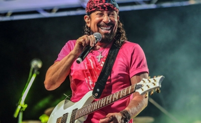 Bell Marques canta 'Só as Antigas' em show saudosista em Brasília