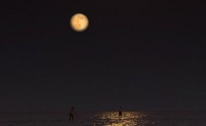 Uberlândia terá música, remada e acampamento para contemplar eclipse e super lua de sangue