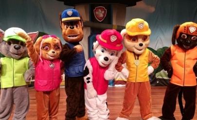 Personagens da Patrulha Canina encantam crianças com teatro em Goiânia
