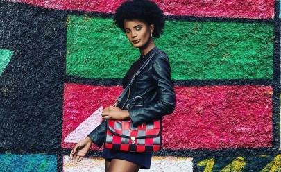 Mulheres transformam cinto de segurança em bolsas e mudam de vida