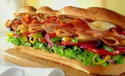 Subway faz promoção 'leve dois, pague um' de sanduíche na Black Friday
