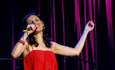 Cantora celebra 20 anos de carreira com show gratuito em Brasília
