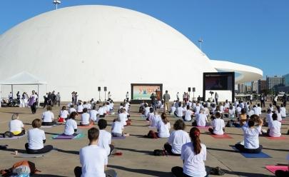 Embaixada da Índia promove aulão gratuito de yoga em Brasília