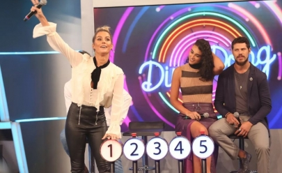 Deborah Secco causa climão com Marcos e Belutti no 'Ding Dong' do Domingão do Faustão