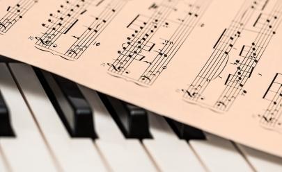 Maestro oferece curso de música gratuito em Goiânia