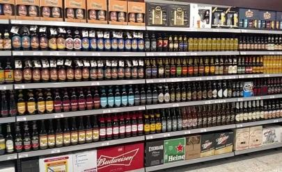 Supermercado em Goiânia comemora o Dia da Cerveja com terceiro rótulo grátis