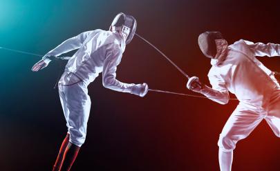 Exposição, presença de atleta olímpica e combates agitam 1º encontro de esgrima em Brasília