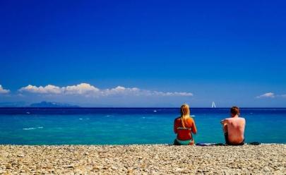 Empresa seleciona dupla para viajar pela Europa com tudo pago