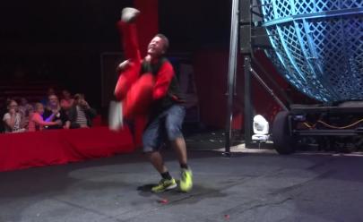 Circo pede desculpas após homem ser machucado por palhaço em cena