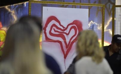Artista de Goiânia cria movimento mundial de amor e conexão entre as pessoas