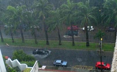 Bairros de Goiânia estão sem energia por causa da chuva