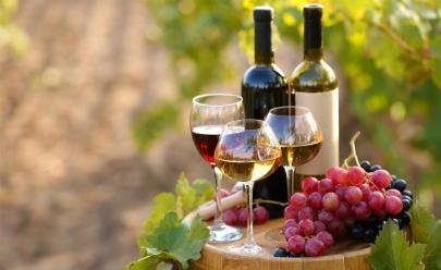 Evento promove degustação de vinhos selecionados e com show ao vivo em Goiânia