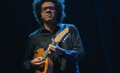 Hamilton de Holanda faz show solidário na Escola de Música de Brasília