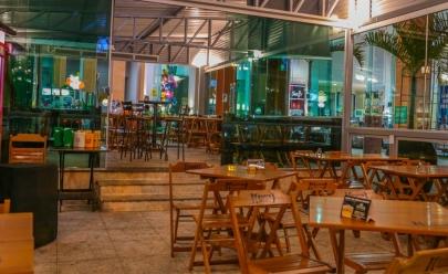 Happy Hour Plaza tem dobradinha de chopp Amstel e 10% de desconto na conta