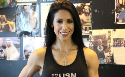 Bella Falconi dá dicas de nutrição e treino na inauguração da academia Prime GYM