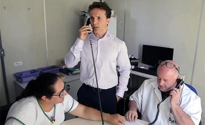 Prefeito telefona para médico ausente em posto de saúde e vídeo viraliza nas redes sociais