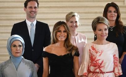 'Primeiro-marido' gay posa para foto ao lado de primeiras-damas e entra para a história