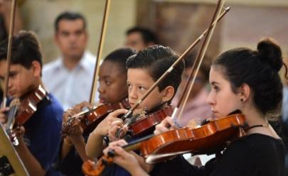 Orquestra Sinfônica Jovem de Goiás faz concerto natalino com participação de crianças