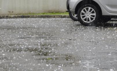 Chuva forte com granizo chega em Goiânia e assusta moradores; veja vídeo