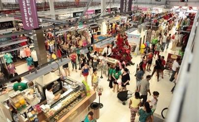 Layla Monteiro, Aline Riscado e Flavia Pavanelli marcam presença no Mega Moda Shopping