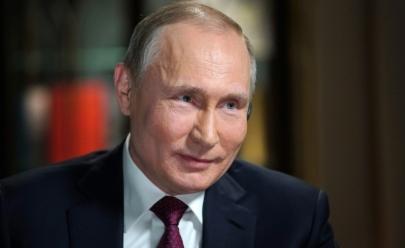 Vladimir Putin é reeleito com 76,6% dos votos e bate recorde