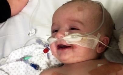 Família de bebê que acordou do coma sorrindo, consegue dinheiro para o tratamento do menino
