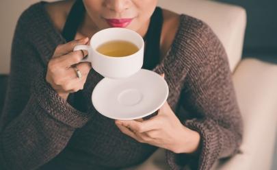 Pesquisa revela que tomar chá regularmente evita danos no cérebro