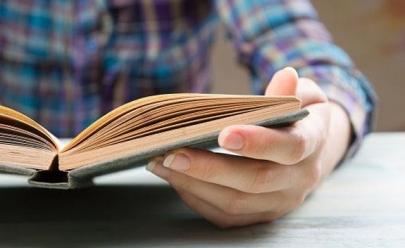 'Oficina de Leitura em Voz Alta' em Goiânia usa a dinâmica da leitura compartilhada