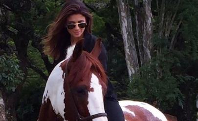 Paula Fernandes apresenta seu 'novo amor'