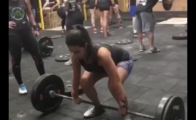 Vídeo mostra aluna rompendo músculo da coxa em academia de Crossfit
