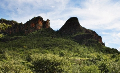 Pinga-Fogo: região serrana em Goiás tem piscinas naturais de água cristalina e safári para fugir da mesmice