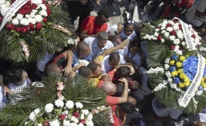 Goleiro Christian é enterrado ao som do hino do Flamengo
