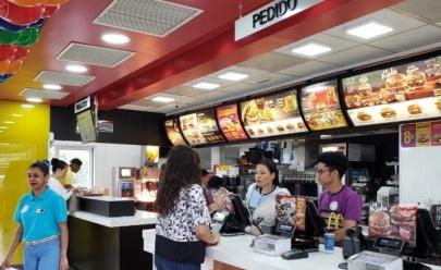 McDonald's faz ação especial em Brasília e opera apenas com trabalhadores com deficiência