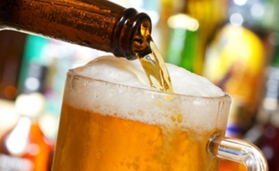 Hamburgueria oferece dobradinha de cervejas importadas em Goiânia