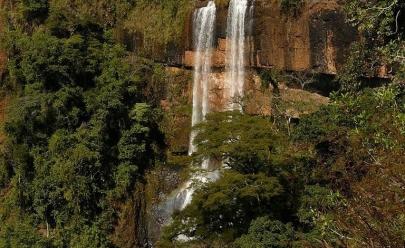 A Cachoeira do Rio Bonito é um espetáculo natural a 80km de Uberlândia que todo amante de cachoeiras precisa visitar