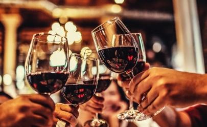 Vinhos e espumantes importados de até R$ 50 para harmonizar seu jantar de réveillon em Uberaba