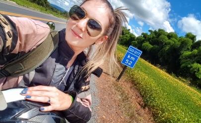 Mineira viaja sozinha em moto por mais de mil km e realiza sonho de conhecer Goiás