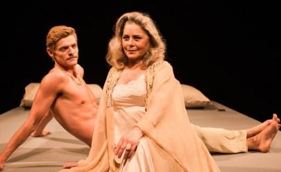 Vera Fischer estrela o ousado espetáculo 'Doce Pássaro da Juventude' no teatro em Goiânia