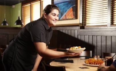 Outback Steakhouse abre nova unidade no DF e oferece mais de 100 vagas de emprego
