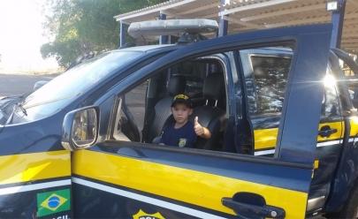 Criança que sonha em ser policial envia carta à P.R.F. e o resultado é emocionante