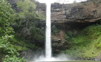 Cachoeira do Ribeirão de Furnas: beleza, inspiração e aventura pertinho de Uberlândia